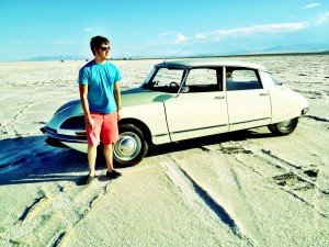 citroen ds in bonneville salt flats with maxx greta