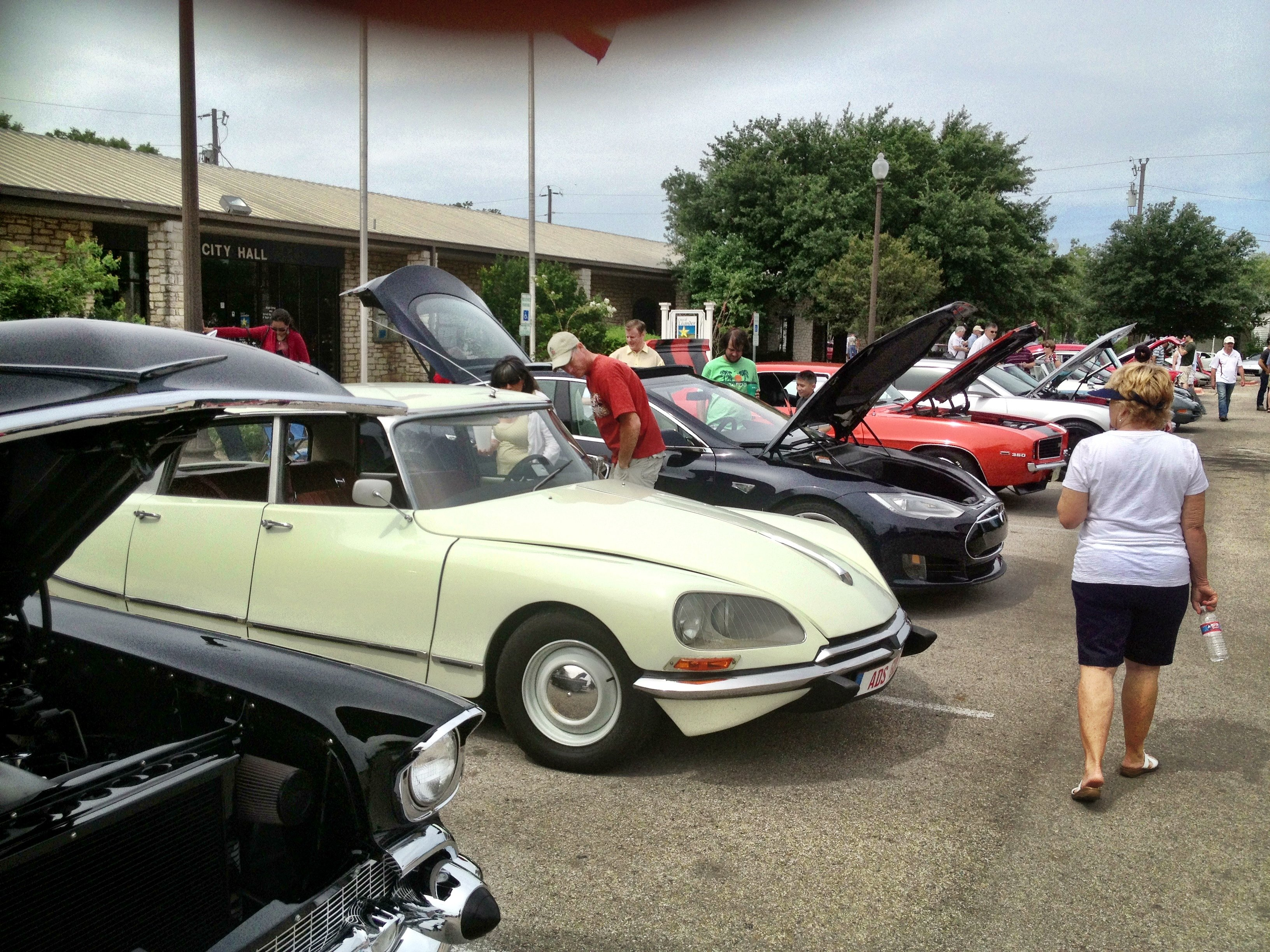 Citroen DS and the Tesla